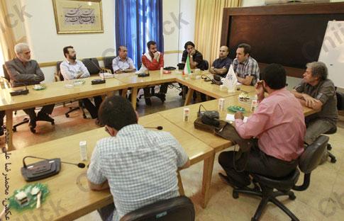 نشست انجمن عکاسان مطبوعات با دبیران عکس برگزار شد
