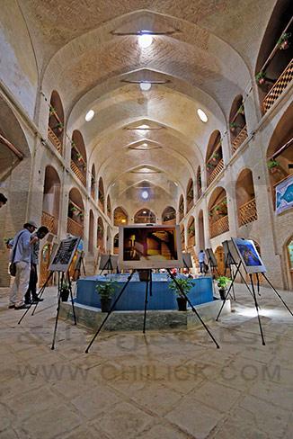 نمایشگاه آثار راه یافته به جشنواره بازار تاریخی اراک