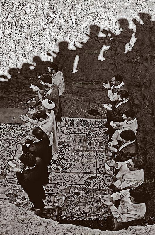 چهارمین جشنواره عکس زمان - امیر عنایتی ، راه یافته به بخش انقلاب اسلامی در گذر زمان | نگارخانه چیلیک | ChiilickGallery.com