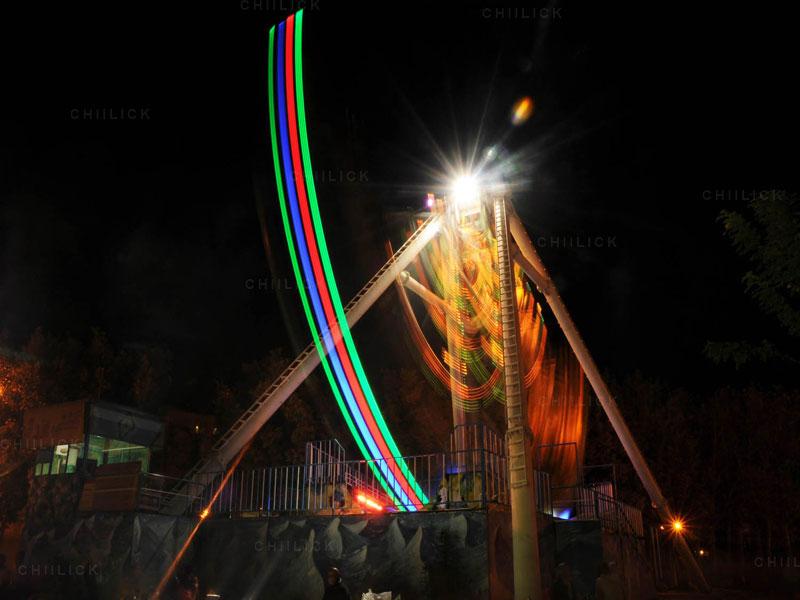 پنجمین جشنواره عکس زمان - شیوا شقاقی شهری ، راه یافته به بخش ب | نگارخانه چیلیک | ChiilickGallery.com