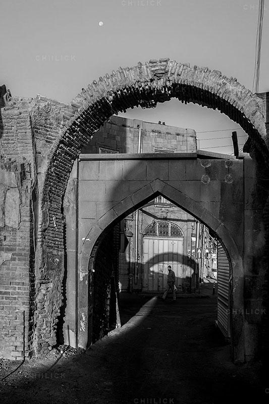 پنجمین جشنواره ملی عکس فیروزه - مصطفی قربانی ، راه یافته به بخش محلات قدیمی و دروازه های نه گانه | نگارخانه چیلیک | ChiilickGallery.com