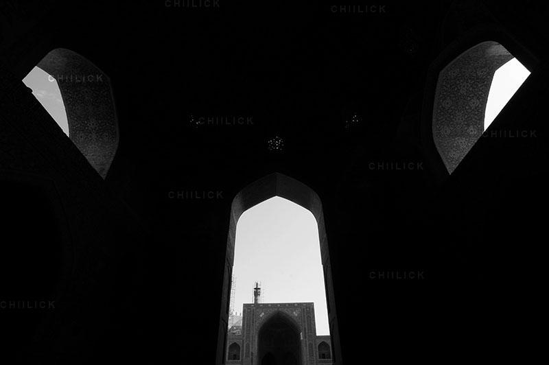 دومین جشنواره عکس ایران شناسی - موسی احمدی زاده ، راه یافته به بخش بناهای مذهبی | نگارخانه چیلیک | ChiilickGallery.com