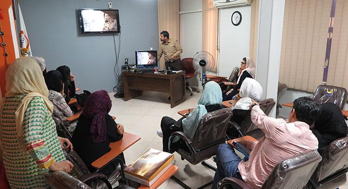 جلسه نقد و بررسی تور عکاسی کرفتو کردستان